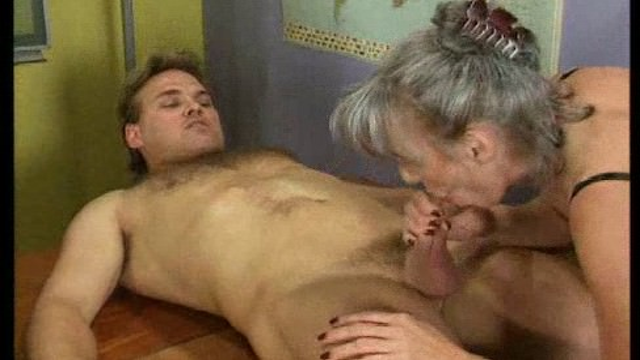 Инцест порно видео, семейный инцест секс родных онлайн ...