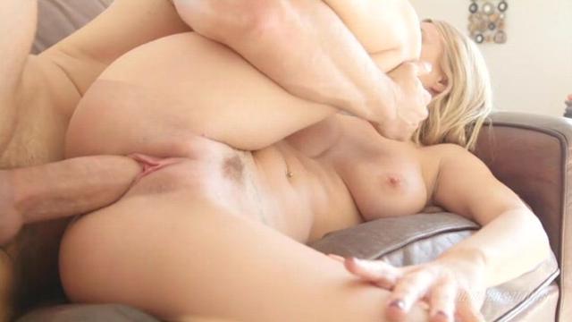 Снял бабушку для секса